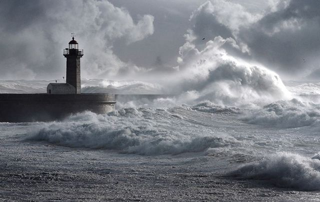 cropped_Storm_lighthouse_istock